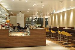 Bar Kaffeehaus Kuchenvitrine Brötchenvitrine Brötchen Kuchen Umluft Statik Kühlung Wärmen Heizen