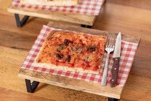Pizza Acciughe e Olive $10