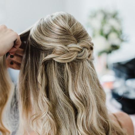 Mariage : une coiffure facile (tutoriel pas à pas)