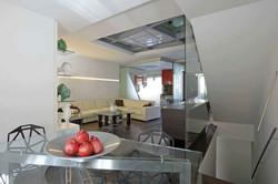 "Private villa ""Glass as protagonist"""