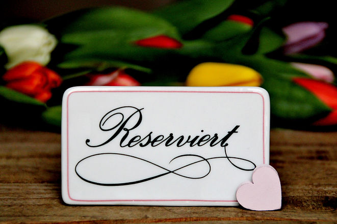 reserved-3970685_1920.jpg