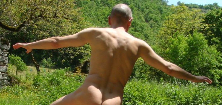 Massage gay  naturiste entre hommes