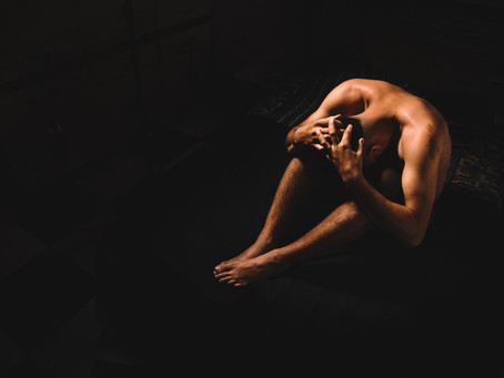 Massage naturiste et réconciliation corporelle