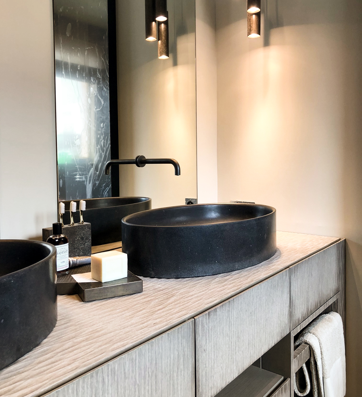Ovale small wasbasin