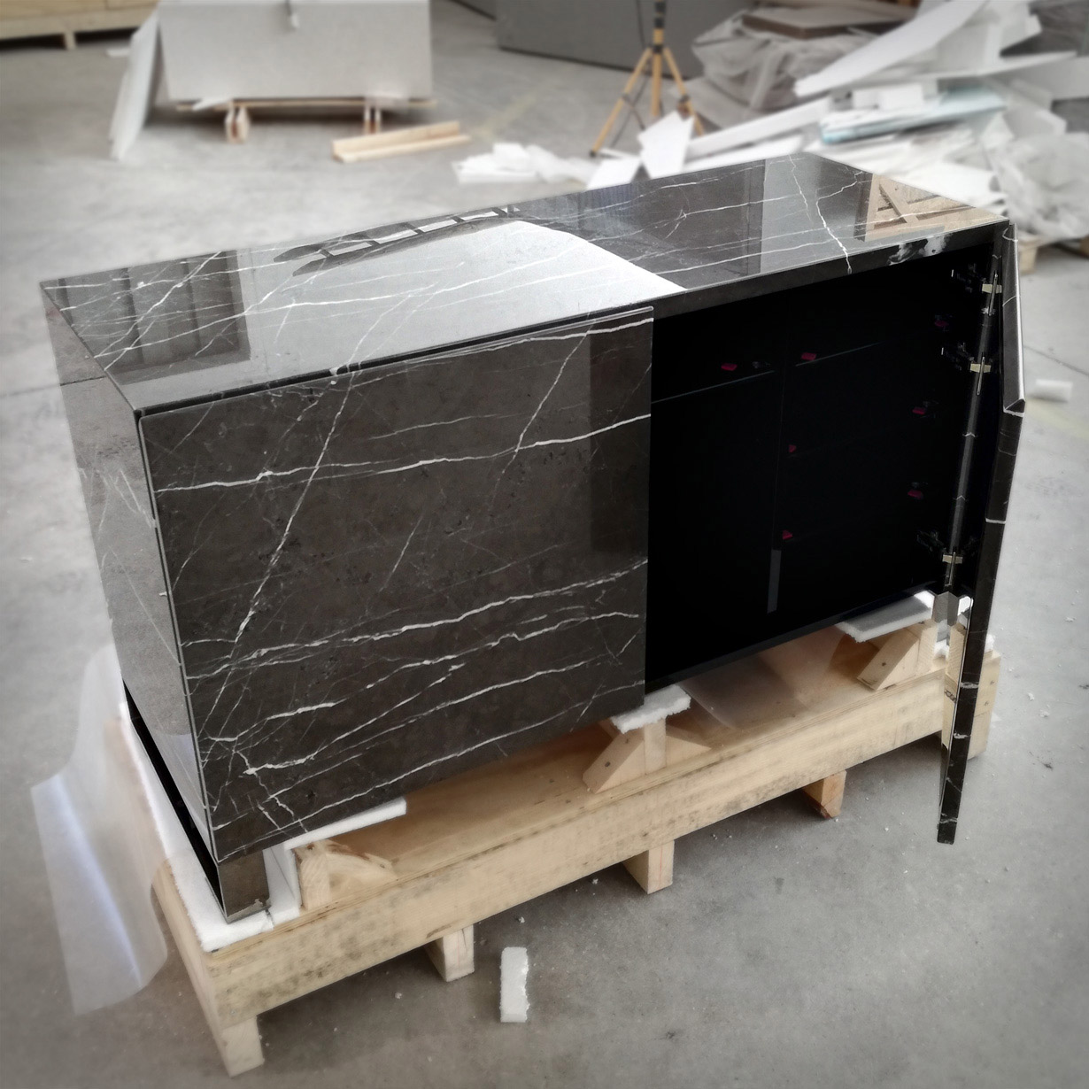 Cabinet in Grafite
