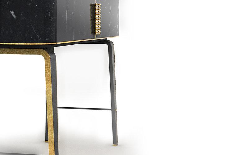 Mobiletto curvato in marmo con gambe e dettagli in metallo