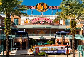 Centro_Ybor,_Ybor_City,_Tampa,_Florida.j