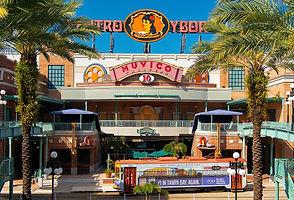 1200px-Centro_Ybor,_Ybor_City,_Tampa,_Fl