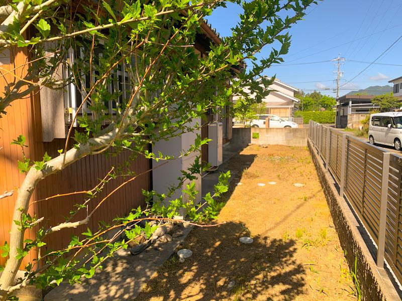 三重県亀山市にて、庭木の間引き伐採と剪定作業事例 三重県剪定伐採お庭のお手入れ専門店 剪定屋空