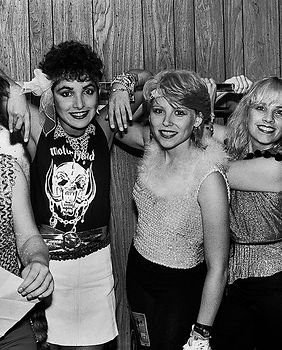 Go-Gos-Backstage-1981-billboard-1548-161