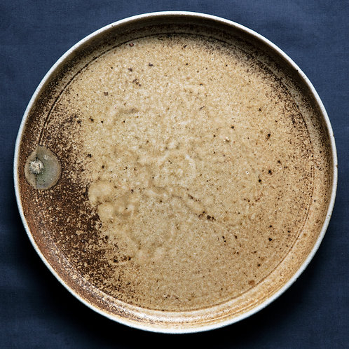 Плоская тарелка с пятнышком, дровяной обжиг