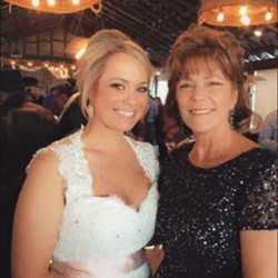 Beautifully bronzed for the big day!  Bride and her mother look beautiful! #spraytansanantonio #brid
