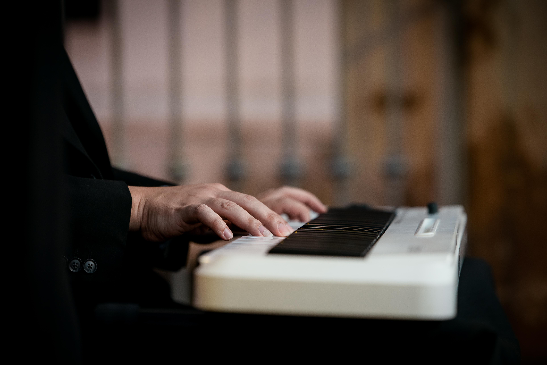 Pianist- Raúl Quiñones