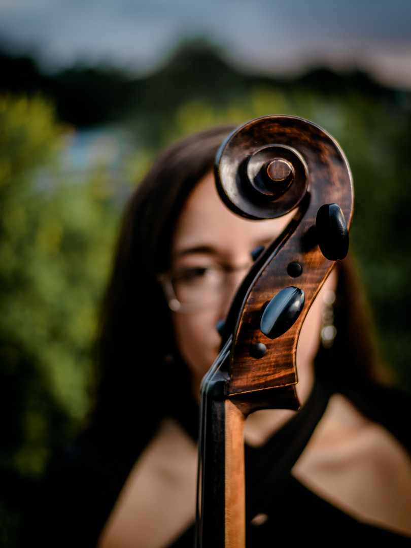 Shary Luciano - Cellist