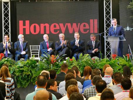 D'Royal Music Services en la Inaguración de Honeywell Aerospace, Moca, Puerto Rico