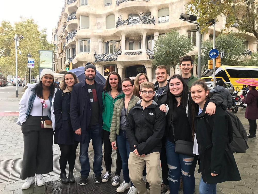 Jennifer and other students standing in front of Casa Mila in Barcelona