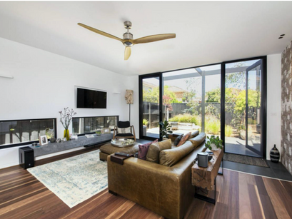 Parkmore Rd - Living Rm.png