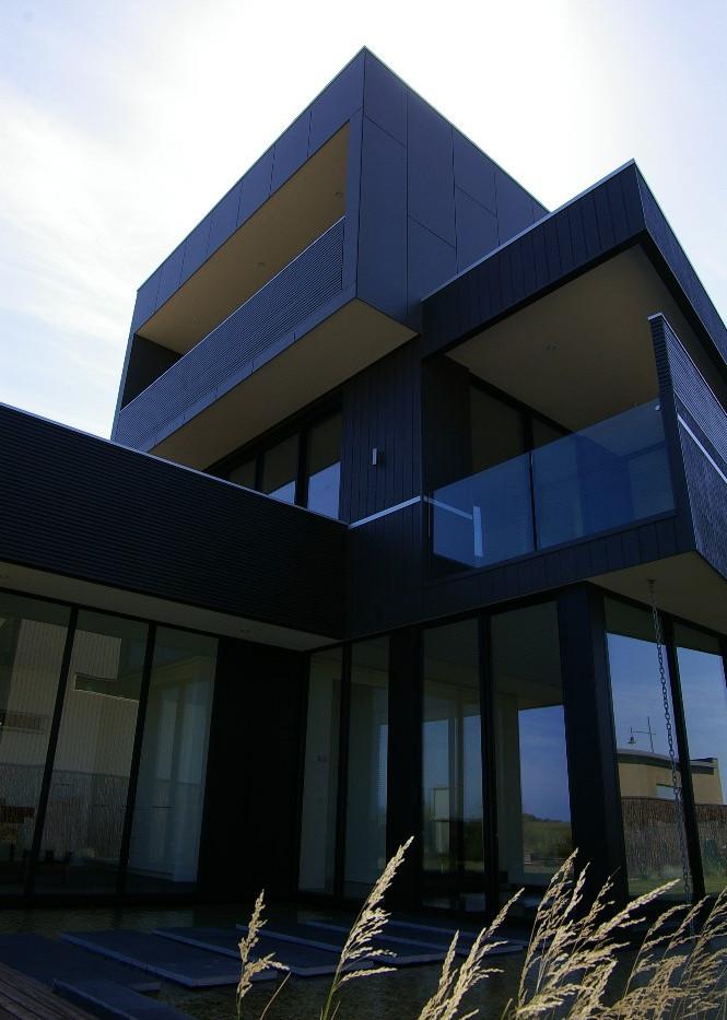 External side view