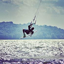 #lagotrasimeno #umbria #kitesurfer #ital