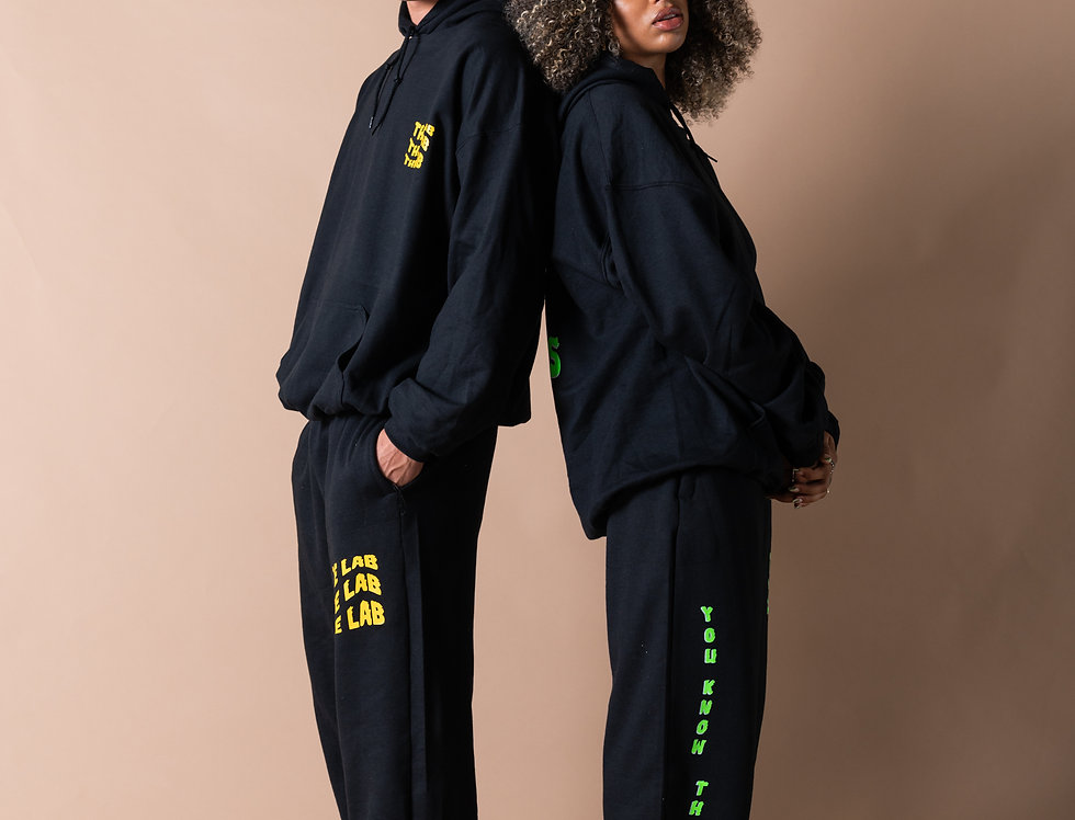 THE VIBES TRACKIES