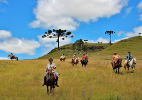 24 Cabalgata Gaucha, Brazil, Ekkaia Trav