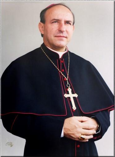 Mons. Flavio Calle