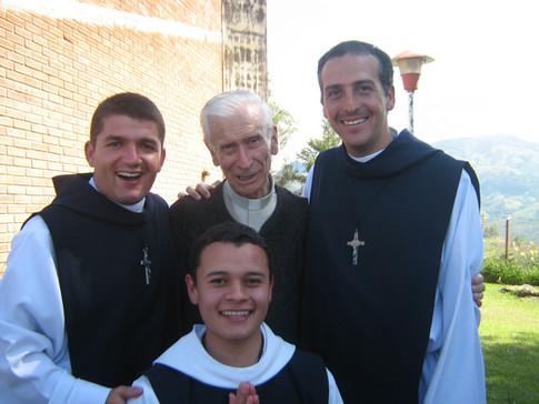 Con el Padre Fernando Londoño, SJ.