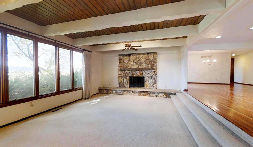 07 - Living room (2).jpg