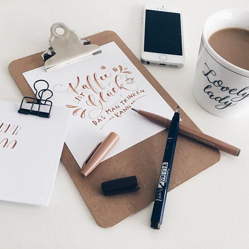 Fine Coffee Break Lettering - wöchentlich 20min, 09:00h (4er Abo)