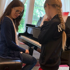 Thousand Oaks Piano Lesson_edited.jpg