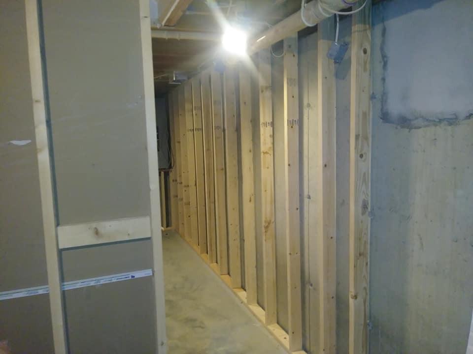 basement reno 1.jpg