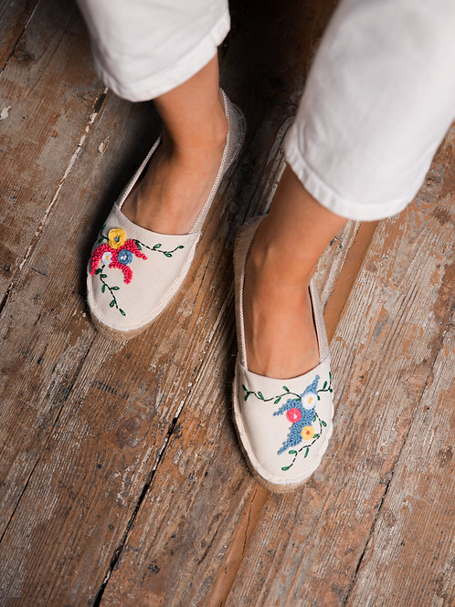 Beige Espadrilles With Handmade Embroidery Women