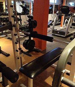 personal trainer studio Oshawa Whitby bench press