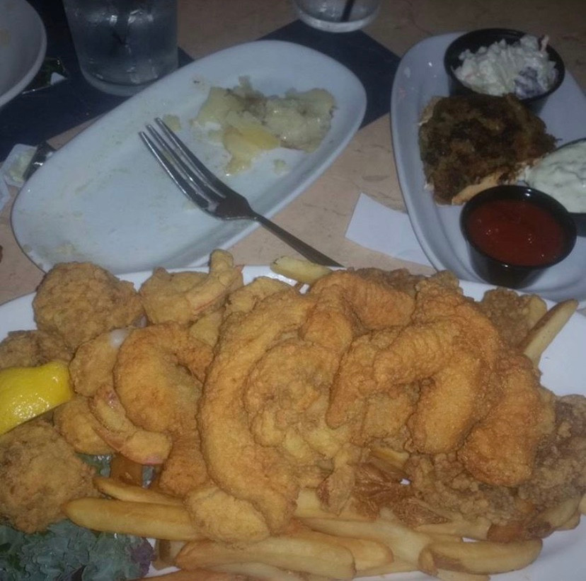 Seafood platter at Deanie's.