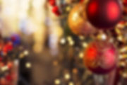 christmas-red-baubles_157305011.jpg