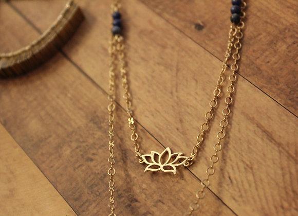 LOTUS NECKLACE - blue agate bead details