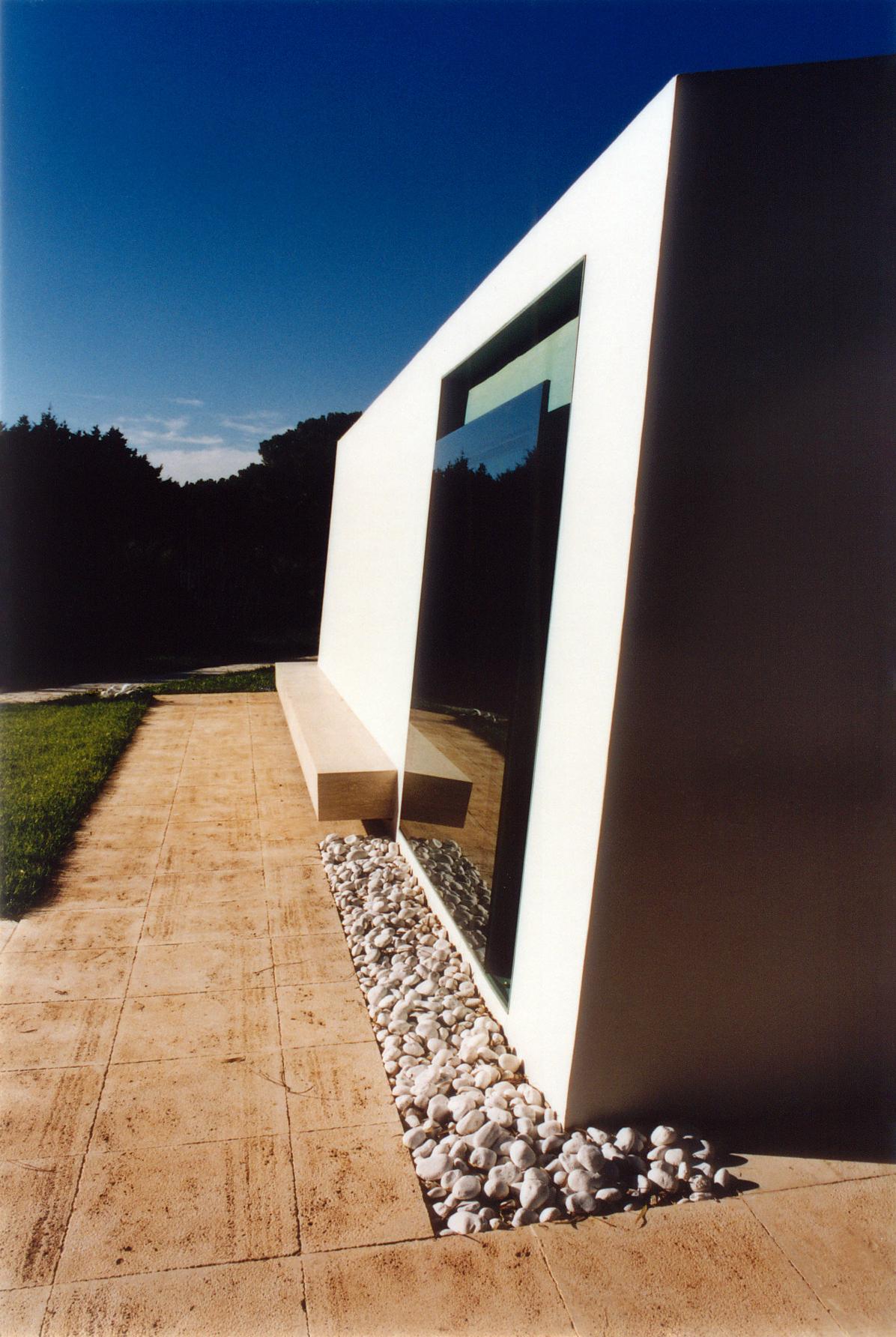 AKRON .2001