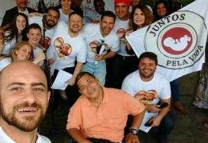 Membros e agentes do Juntos Pela Vida em evento ocorrido em Petrópolis, no Rio de Janeiro, em 15 de novembro (foto: divulgação).