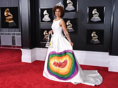 """Cantora faz campanha contra aborto no Grammy: """"Escolha a vida"""""""