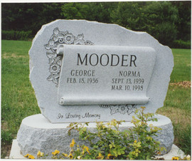 Mooder - scroll.jpg