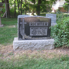 Richter memorial.JPG