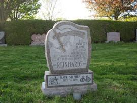 Reinhardt plinth.JPG