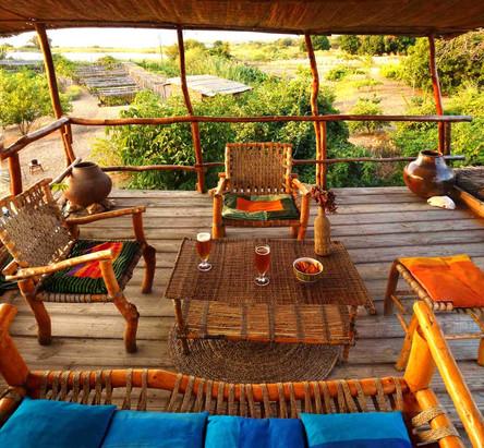 lounge-small.jpg