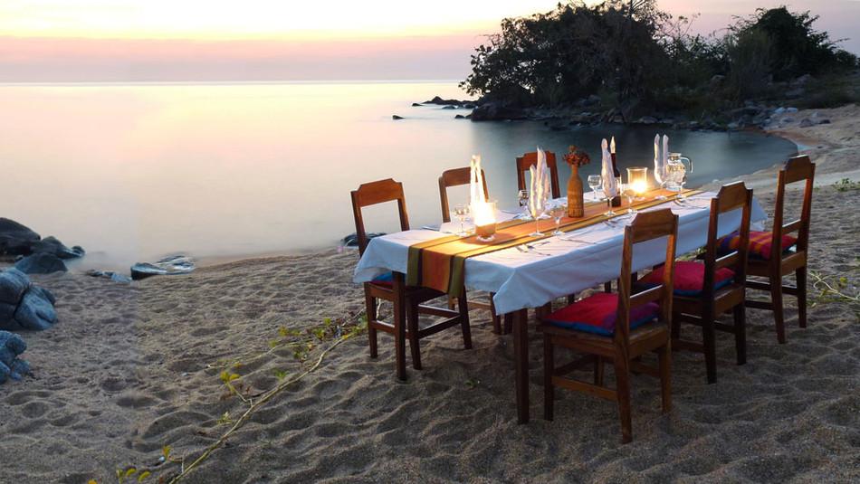 Selection_Dinner_Table_Sunset_Final.jpg