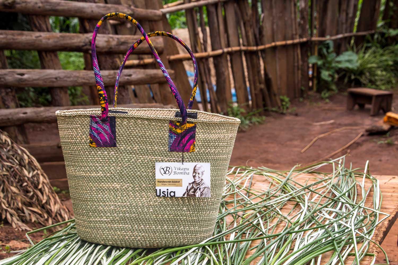 Vikapu Bomba - handwoven tote bag