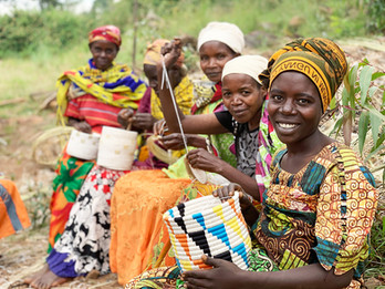 WomenCraft_New Burundian Artisan Sitting
