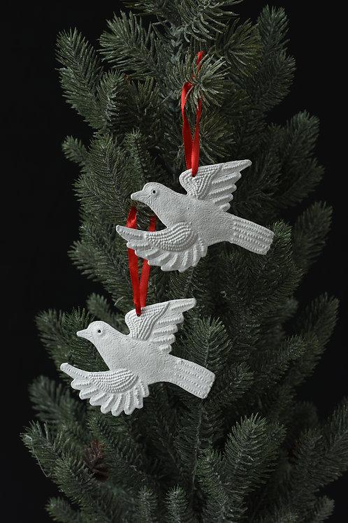 Twin White Doves Ornaments