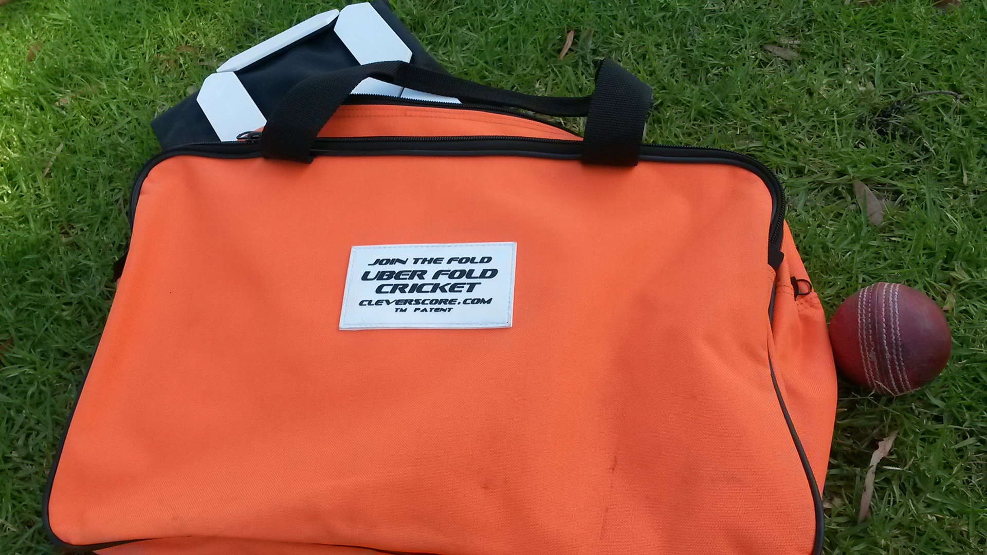 Uber Fold CleverScore Cricket Bag.jpg