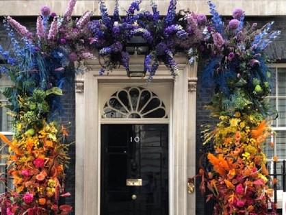 A Downing Street 10 szivárványos öltözéket kapott