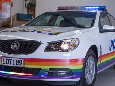Német rendőrtisztek beszéltek az előbújásukról